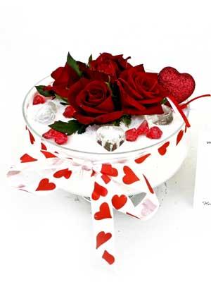 Ankara çiçek servisi , çiçekçi adresleri  7 adet gül cam içinde ve süslemeler sik bir çiçek
