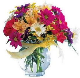 Ankara hediye sevgilime hediye çiçek  cam yada mika içerisinde karisik mevsim çiçekleri