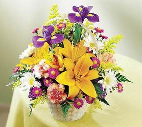 Ankara yurtiçi ve yurtdışı çiçek siparişi  Karisik mevsim çiçeklerinden sepet tanzimi