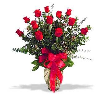 çiçek siparisi 11 adet kirmizi gül cam vazo  Ankara kaliteli taze ve ucuz çiçekler