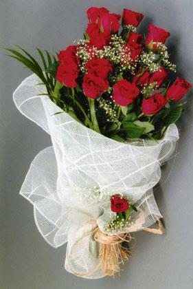 10 adet kirmizi güllerden buket çiçegi  Ankara cicekciler , cicek siparisi