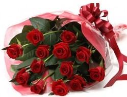 Ankara çiçek siparişi sitesi  10 adet kipkirmizi güllerden buket tanzimi