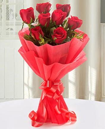 9 adet kırmızı gülden modern buket  Ankarada çiçek gönderme sitemiz güvenlidir