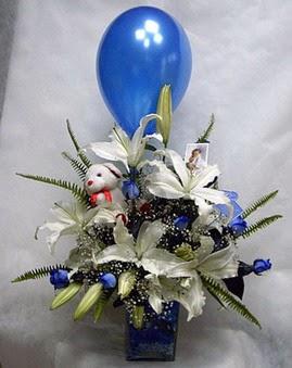 Ankara 14 şubat sevgililer günü çiçek  Mavi güller cam vazo oyuncak