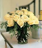 Ankara anneler günü çiçek yolla  11 adet sari gül mika yada cam vazo tanzim