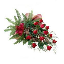 Ankara kaliteli taze ve ucuz çiçekler  10 adet kirmizi gül özel buket çiçek siparisi