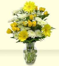 Ankara çiçek siparişi vermek  cam yada mika vazoda sarigül ve gerberalar
