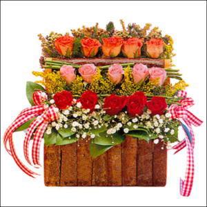 sandikta 3 kat güllerden   Ankara yurtiçi ve yurtdışı çiçek siparişi