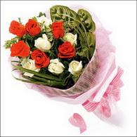 5 kirmizi 5 beyaz güllerden   Ankara kaliteli taze ve ucuz çiçekler