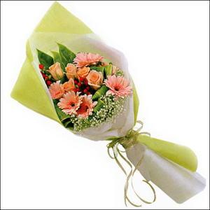 sade güllü buket demeti  Ankara 14 şubat sevgililer günü çiçek