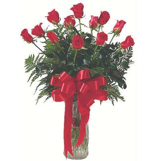 12 adet gül cam içerisinde  Ankara yurtiçi ve yurtdışı çiçek siparişi