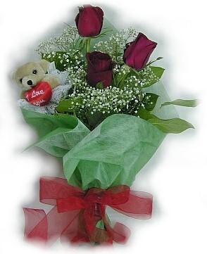 3 adet gül ve küçük ayicik buketi  Ankara güvenli kaliteli hızlı çiçek