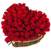 Ankara güvenli kaliteli hızlı çiçek  büyük sepet içerisinde sevgi biçimi