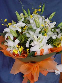 Ankara hediye sevgilime hediye çiçek  5 ADET KAZABLANKA BUKETI KALITEDEN SASMAYANLARA
