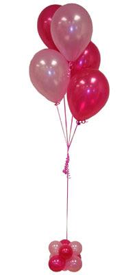 Sevdiklerinize 17 adet uçan balon demeti yollayin.  Ankara 14 şubat sevgililer günü çiçek