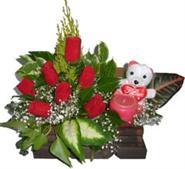 Ankara online çiçekçi , çiçek siparişi  Sandik içerisinde 7 adet gül , mum , oyuncak pelus