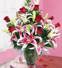 Ankarada çiçek gönderme sitemiz güvenlidir  harika vazo tanzimi gül - kazab