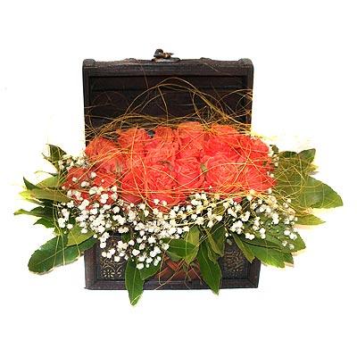 Ankara çiçek servisi , çiçekçi adresleri  13 adet sepet içerisinde gül