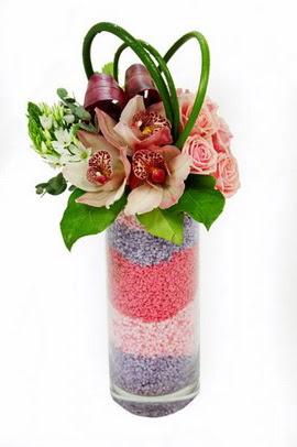 Ankara hediye sevgilime hediye çiçek  3 kandil orkide 7 adet gül cam yada mika vazoda