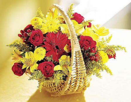 Ankara hediye sevgilime hediye çiçek  Sepet içerisinde mevsim çiçekleri