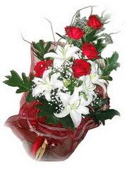 Ankara online çiçek gönderme sipariş  5 adet kirmizi gül 1 adet kazablanka çiçegi buketi