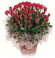 Ankara yurtiçi ve yurtdışı çiçek siparişi  61 adet kirmizi gül buketi sepet tanzimi