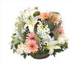 Ankara çiçek servisi , çiçekçi adresleri  karisik çiçekler sepet içerisinde