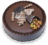 Çikolatali yas pasta 4 ile 6 kisilik  leziz  Ankara çiçek siparişi vermek