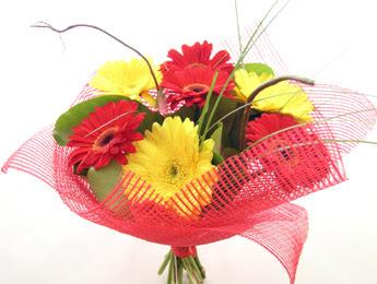 9 adet gerbera çiçeklerinden buket  Ankara çiçek , çiçekçi , çiçekçilik