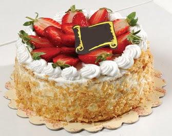 uygun pastaneler 4 ile 6 kisilik çilekli yas pasta lezzetli  Ankara çiçek mağazası , çiçekçi adresleri