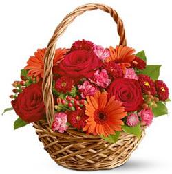 Karisik mevsim çiçeklerinden sepet tanzim  Ankara hediye sevgilime hediye çiçek