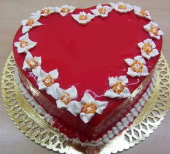 kalp biçiminde yas pasta özel kisilere  Ankara yurtiçi ve yurtdışı çiçek siparişi