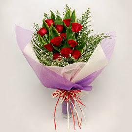 çiçekçi dükkanindan 11 adet gül buket  Ankara 14 şubat sevgililer günü çiçek