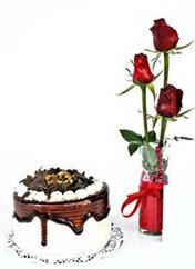 Ankara çiçek mağazası , çiçekçi adresleri  vazoda 3 adet kirmizi gül ve yaspasta