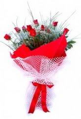 Ankarada çiçek gönderme sitemiz güvenlidir  9 adet kirmizi gül buketi demeti