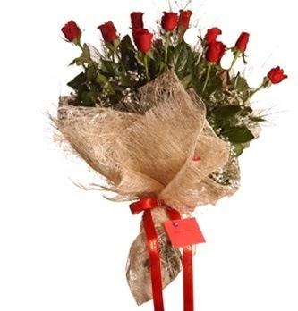 Ankara internetten çiçek siparişi  10 adet kırmızı gülden görsel buket