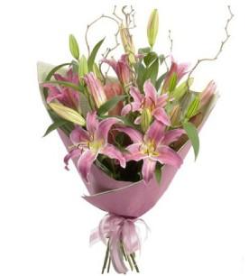 Ankarada çiçek gönderme sitemiz güvenlidir  3 dal cazablanca buket çiçeği