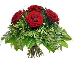 Ankara çiçek siparişi vermek  5 adet kırmızı gülden buket