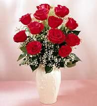 Ankara 14 şubat sevgililer günü çiçek  9 adet vazoda özel tanzim kirmizi gül