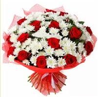 11 adet kırmızı gül ve beyaz kır çiçeği  Ankara hediye sevgilime hediye çiçek