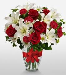 Eşsiz vazo tanzimi güller kazablankalar  Ankara kaliteli taze ve ucuz çiçekler