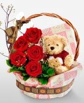 sepet içerisinde 5 adet gül ve 15 cm ayıcık  Ankara çiçek servisi , çiçekçi adresleri