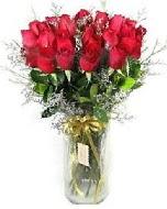 27 adet vazo içerisinde kırmızı gül  Ankarada çiçek gönderme sitemiz güvenlidir