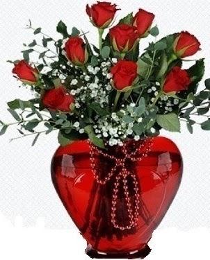 Kalp cam mika içinde 9 adet kırmızı gül  Ankara hediye sevgilime hediye çiçek