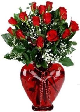 Cam kalp içerisinde 15 kırmızı gül  Ankara çiçek siparişi sitesi