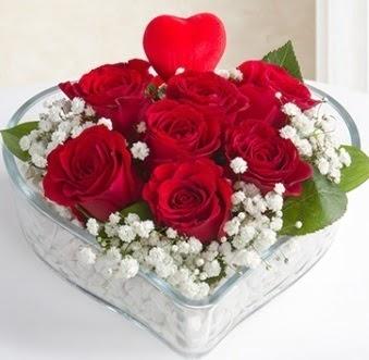 Kalp içerisinde 7 kırmızı gül kalp çubuk  Ankara İnternetten çiçek siparişi