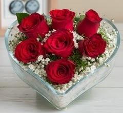 Kalp içerisinde 7 adet kırmızı gül  Ankara İnternetten çiçek siparişi