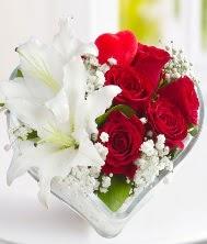 1 kazablanka 5 kırmızı gül kalpte  Ankara çiçek servisi , çiçekçi adresleri