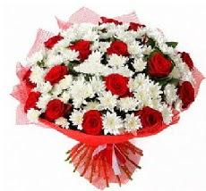 11 adet kırmızı gül ve 1 demet krizantem  Ankara çiçek siparişi vermek