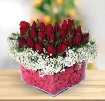 15 kırmızı gülden kalp mika çiçeği  Ankara çiçek , çiçekçi , çiçekçilik